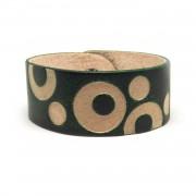 Kožna narukvica sa graviranim kružnim uzorkom - zelena