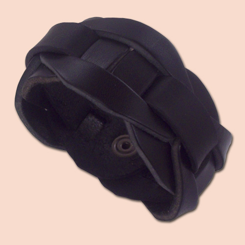 Kožna narukvica iz delova - crna