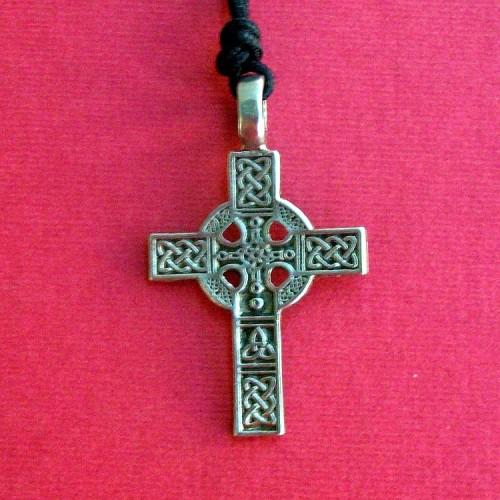 Keltski obredni krst - livena ogrlica