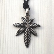 Marihuana - Livena ogrlica