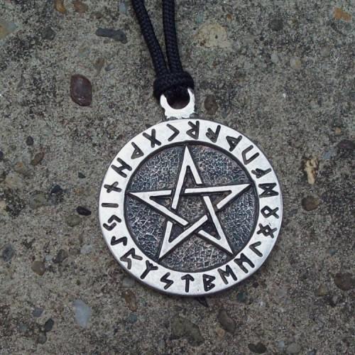 Pentagram bele magije sa runama