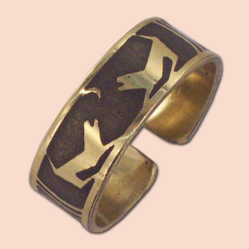 Prsten od mesinga sa dva psa